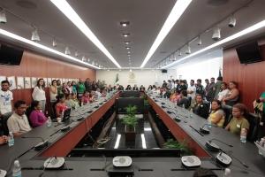 En la Presidencia del Senado migrantes de Guatema, El Salvador y Honduras